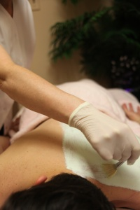 Back Facial Treatment At Dyanna Spa NYC